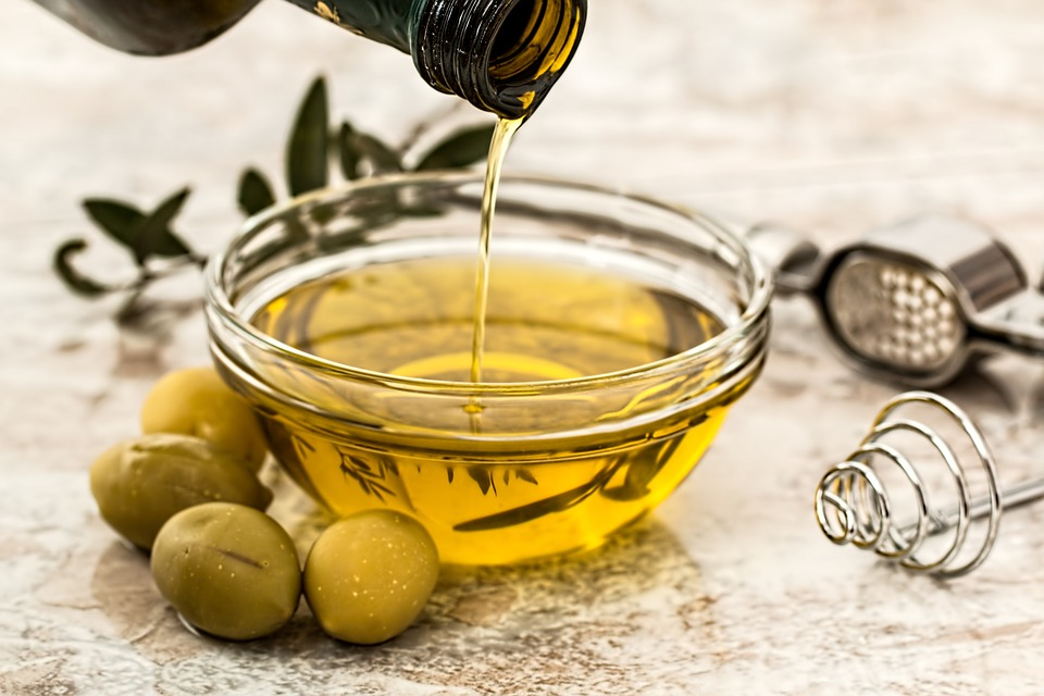 Boost brain health with olive oil, an antioxidant-rich superfood